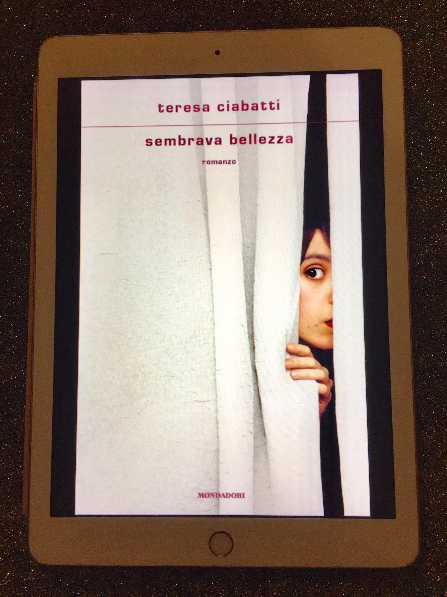 """""""Sembrava bellezza"""" – Teresa Ciabatti"""